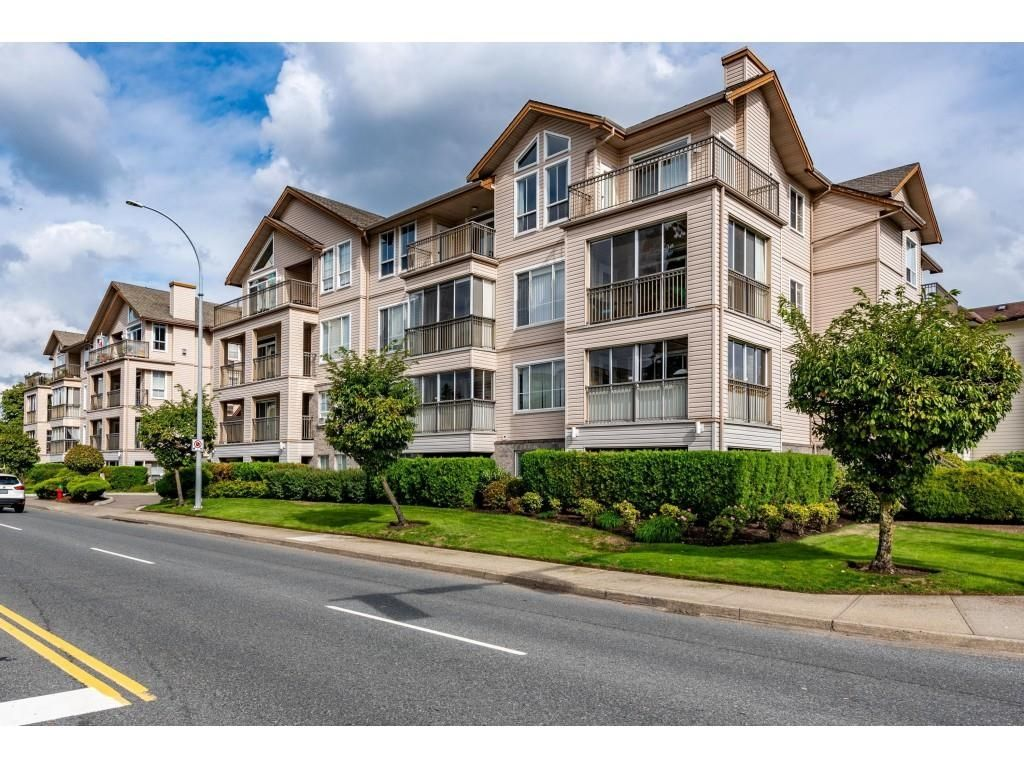 """Main Photo: 104 2772 CLEARBROOK Road in Abbotsford: Abbotsford West Condo for sale in """"BROOKHOLLOW ESTATES"""" : MLS®# R2620045"""
