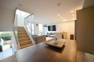 """Photo 3: 2 1411 E 1ST Avenue in Vancouver: Grandview VE Townhouse for sale in """"GRANDVIEW CASCADES"""" (Vancouver East)  : MLS®# R2168722"""