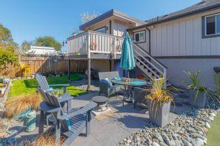 Photo 37: 2060 Townley St in : OB Henderson House for sale (Oak Bay)  : MLS®# 873106