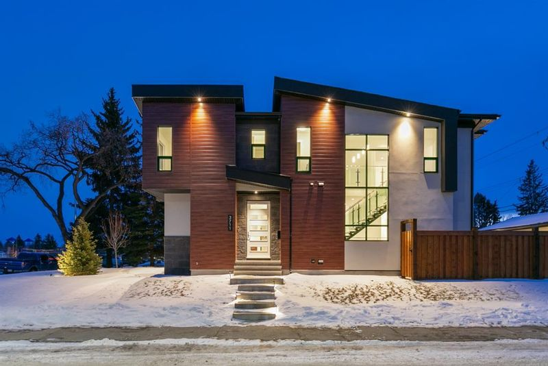 FEATURED LISTING: 3003 36 Street Southwest Calgary