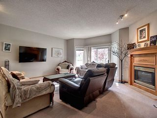 Photo 3: 40 Hamptons Link NW in Calgary: Hamptons Row/Townhouse for sale : MLS®# A1074833