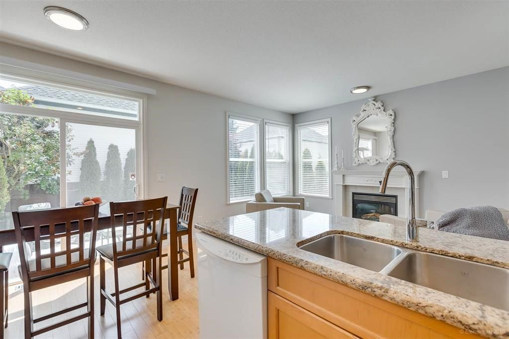 """Photo 7: Photos: 7014 179A Street in Surrey: Cloverdale BC Condo for sale in """"TERRACES AT PROVINCETON"""" (Cloverdale)  : MLS®# R2391476"""