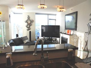 """Photo 5: # 1901 11 E ROYAL AV in New Westminster: Fraserview NW Condo for sale in """"VICTORIA HILL HIGH RISES"""" : MLS®# V1002340"""
