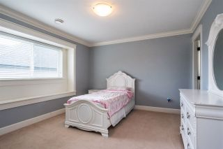 """Photo 13: 21062 77 Avenue in Langley: Willoughby Heights House for sale in """"Yorkson South"""" : MLS®# R2288117"""