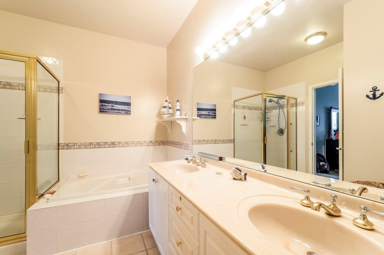 """Photo 9: Photos: 201 1465 PARKWAY Boulevard in Coquitlam: Westwood Plateau Townhouse for sale in """"SILVER OAK"""" : MLS®# R2249659"""