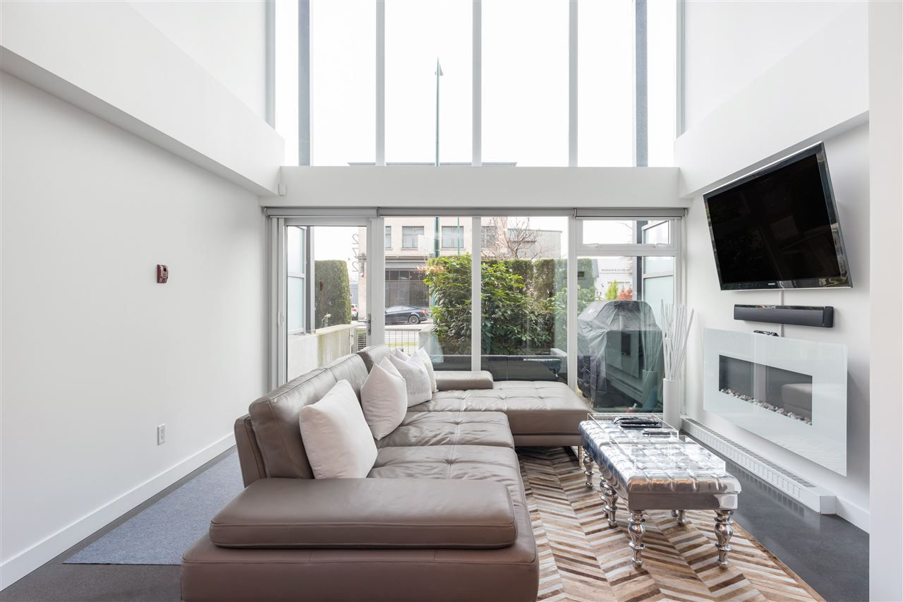 """Main Photo: 272 E 2ND Avenue in Vancouver: Mount Pleasant VE Condo for sale in """"JACOBSEN"""" (Vancouver East)  : MLS®# R2545378"""