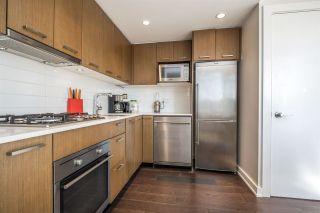 """Photo 5: 1007 1372 SEYMOUR Street in Vancouver: Downtown VW Condo for sale in """"The Mark"""" (Vancouver West)  : MLS®# R2554950"""