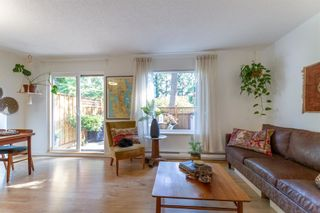 """Photo 2: 879 CUNNINGHAM Lane in Port Moody: North Shore Pt Moody Townhouse for sale in """"Woodside Village"""" : MLS®# R2604426"""