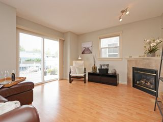 Photo 3: 4 27283 30 AVENUE in Langley: Aldergrove Langley Townhouse for sale : MLS®# R2371942