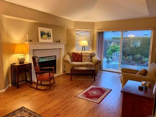 Photo 5: 8 2010 20th St in : CV Courtenay City Row/Townhouse for sale (Comox Valley)  : MLS®# 861800