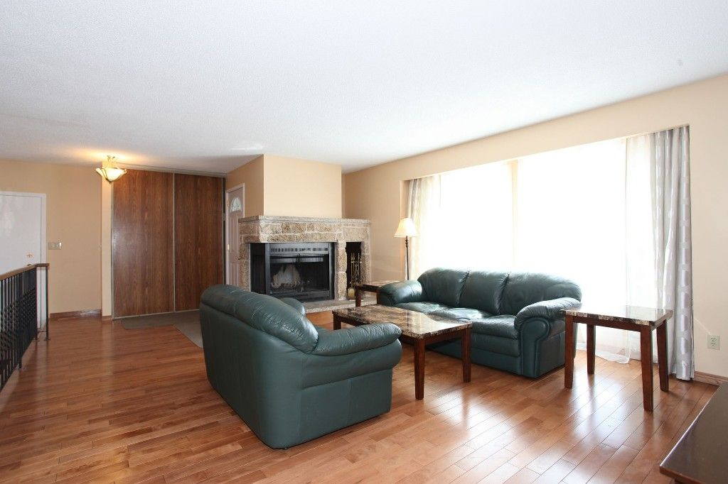 Photo 5: Photos: 28 Woodchester Place in Winnipeg: Charleswood Single Family Detached for sale (South Winnipeg)  : MLS®# 1406268