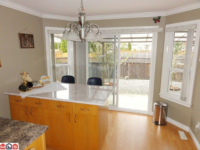 Photo 8: Photos: 18925 64TH Avenue in Surrey: Cloverdale BC House for sale (Cloverdale)  : MLS®# F1111649