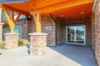 Photo 2: 212 290 Wilfert Rd in : VR Six Mile Condo for sale (View Royal)  : MLS®# 882146