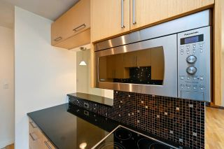 """Photo 8: 305 2424 CYPRESS Street in Vancouver: Kitsilano Condo for sale in """"CYPRESS PLACE"""" (Vancouver West)  : MLS®# R2572541"""