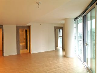 Photo 3: 2005 89 NELSON Street in Vancouver: Yaletown Condo for sale (Vancouver West)  : MLS®# R2522257