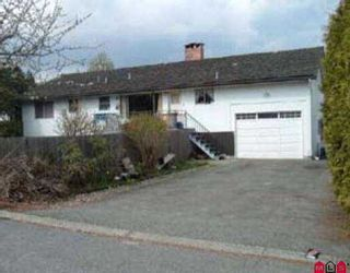 Photo 2: 12140 96TH AV in Surrey: Queen Mary Park Surrey House for sale : MLS®# F2506482