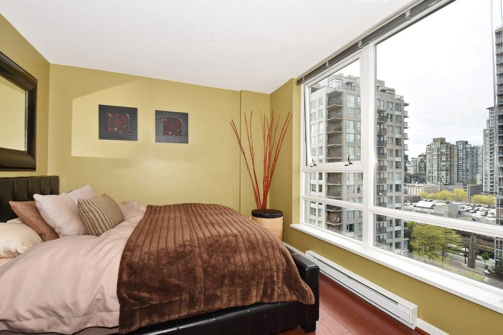 """Photo 11: Photos: 1708 928 BEATTY Street in Vancouver: Yaletown Condo for sale in """"MAX 1"""" (Vancouver West)  : MLS®# R2165040"""