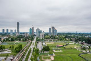"""Photo 21: 2202 10777 UNIVERSITY Drive in Surrey: Whalley Condo for sale in """"CITY POINT"""" (North Surrey)  : MLS®# R2564095"""