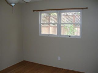 Photo 9: PACIFIC BEACH House for sale : 2 bedrooms : 4276 Lamont