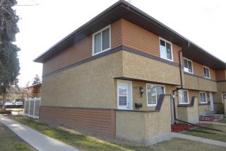 Photo 1: 140 Woodborough Way NW in Edmonton: Zone 35 Townhouse for sale : MLS®# E4240831