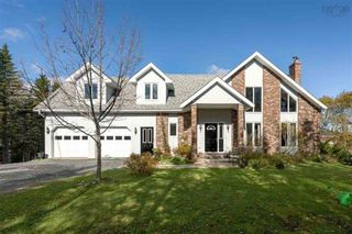 Photo 1: 16 Mersey Court in Hatchet Lake: 40-Timberlea, Prospect, St. Margaret`S Bay Residential for sale (Halifax-Dartmouth)  : MLS®# 202124290