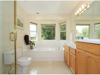 Photo 12: 8425 215 St. in Langley: Forest Hills House for sale : MLS®# F1413435