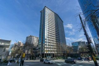 """Photo 1: 1703 989 NELSON Street in Vancouver: Downtown VW Condo for sale in """"The Electra"""" (Vancouver West)  : MLS®# R2527658"""