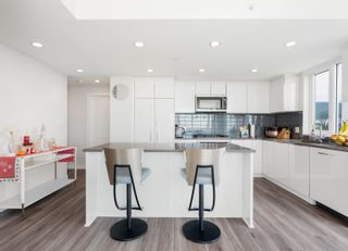 Photo 5: 2301 3100 WINDSOR Gate in Coquitlam: New Horizons Condo for sale : MLS®# R2619738