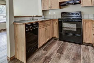 Photo 4: 17 Eversyde Court SW in Calgary: Evergreen Row/Townhouse for sale : MLS®# A1120200