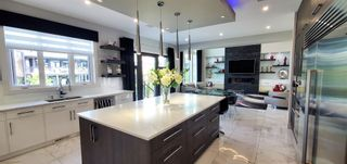 Photo 3: 3627 Westcliff Way in Edmonton: Zone 56 House for sale : MLS®# E4254045