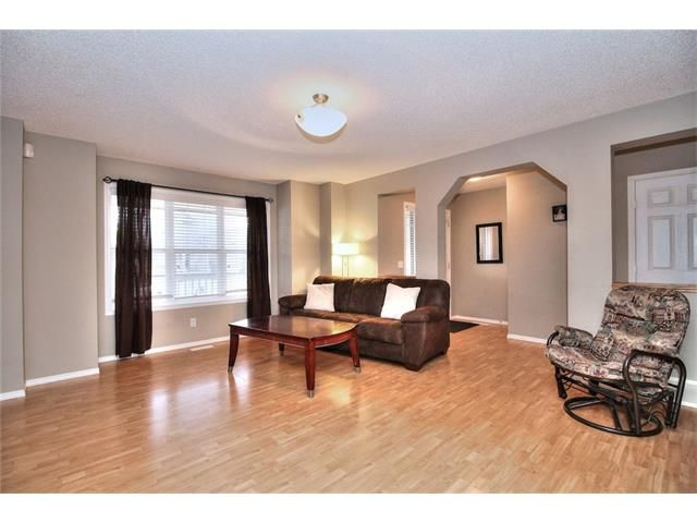 Photo 9: Photos: 527 EVERMEADOW Road SW in Calgary: Evergreen House for sale : MLS®# C4056995