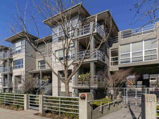 "Photo 19: 302 3161 W 4TH Avenue in Vancouver: Kitsilano Condo for sale in ""Bridgewater"" (Vancouver West)  : MLS®# R2443510"