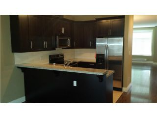 """Photo 3: 30 8418 163 Street in Surrey: Fleetwood Tynehead Townhouse for sale in """"MAPLE ON 84"""" : MLS®# F1447562"""