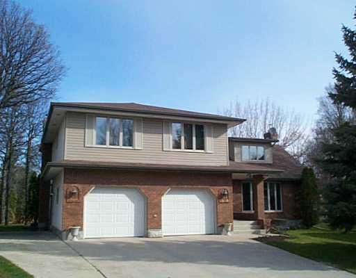 Main Photo: 10 FAIR Place in WINNIPEG: North Kildonan Single Family Detached for sale (North East Winnipeg)  : MLS®# 2504150