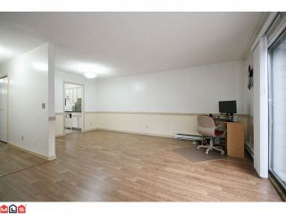 Photo 3: 256 9452 PRINCE CHARLES Boulevard in Surrey: Queen Mary Park Surrey Townhouse for sale : MLS®# F1104338