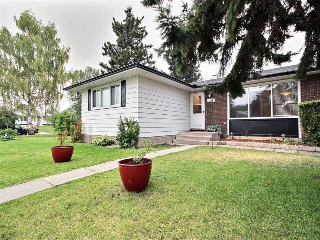 Main Photo: 5139 Marshall Road NE in Calgary: Marlborough Detached for sale : MLS®# A1105698