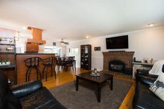Photo 3: 5384 MAPLE Crescent in Delta: Delta Manor House for sale (Ladner)  : MLS®# R2546269