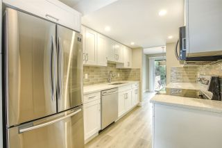 """Photo 14: 15879 ALDER Place in Surrey: King George Corridor Townhouse for sale in """"ALDERWOOD"""" (South Surrey White Rock)  : MLS®# R2471622"""