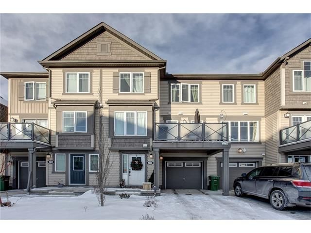 Main Photo: 420 WINDSTONE Grove SW: Airdrie House for sale : MLS®# C4046203