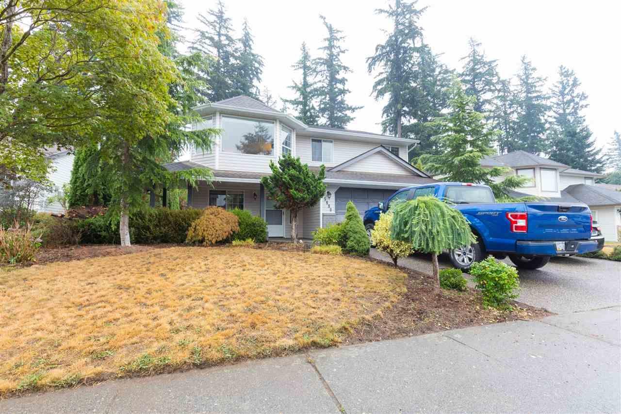 Main Photo: 5880 WILKINS Drive in Sardis: Sardis West Vedder Rd House for sale : MLS®# R2304687