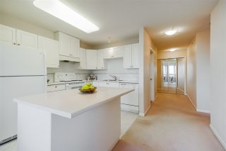 """Photo 11: 1803 612 SIXTH Street in New Westminster: Uptown NW Condo for sale in """"The Woodward"""" : MLS®# R2545610"""