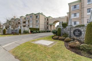 """Photo 12: 302 8580 GENERAL CURRIE Road in Richmond: Brighouse South Condo for sale in """"Queen's Gate"""" : MLS®# R2135622"""