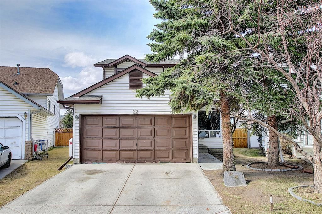 Main Photo: 23 Applecrest Court SE in Calgary: Applewood Park Detached for sale : MLS®# A1079523
