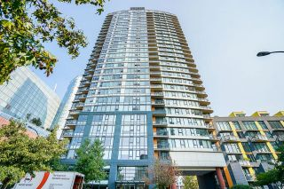 Photo 1: 1207 33 SMITHE Street in Vancouver: Yaletown Condo for sale (Vancouver West)  : MLS®# R2625751