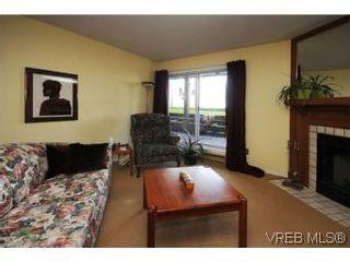 Photo 3: 101 1234 Fort St in VICTORIA: Vi Downtown Condo for sale (Victoria)  : MLS®# 529036