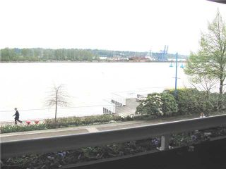 """Photo 1: 204 3 K DE K Court in New Westminster: Quay Condo for sale in """"QUAYSIDE TERRACE"""" : MLS®# V945400"""