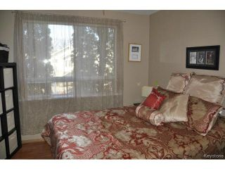 Photo 8: 216 Sydney Avenue in WINNIPEG: East Kildonan Residential for sale (North East Winnipeg)  : MLS®# 1507902