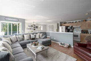 Photo 2: 1481 JUDD Road in Squamish: Brackendale 1/2 Duplex for sale : MLS®# R2497589
