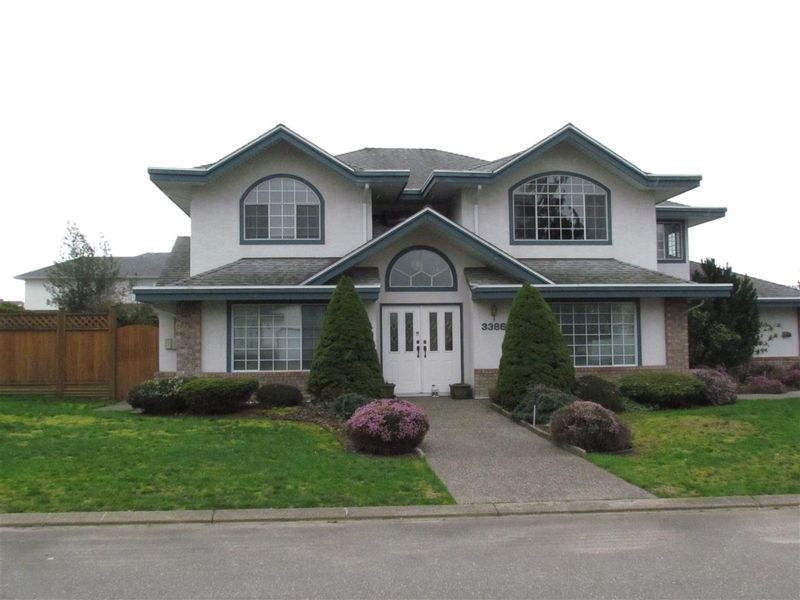FEATURED LISTING: 3386 SLOCAN Drive Abbotsford