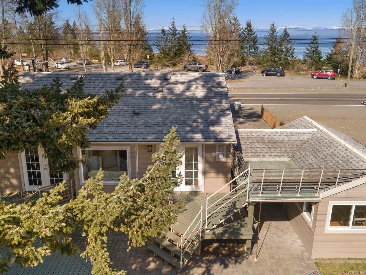 Main Photo: 4333 S ISLAND S Highway in CAMPBELL RIVER: CR Campbell River South House for sale (Campbell River)  : MLS®# 841784